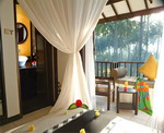 Candi Beach Cottage - Deluxe Room